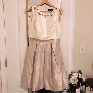 Embellished Jessica Howard White/Taupe Dress